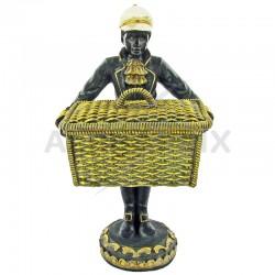 Figurine coloniale avec panier couvercle h: 23cm en stock